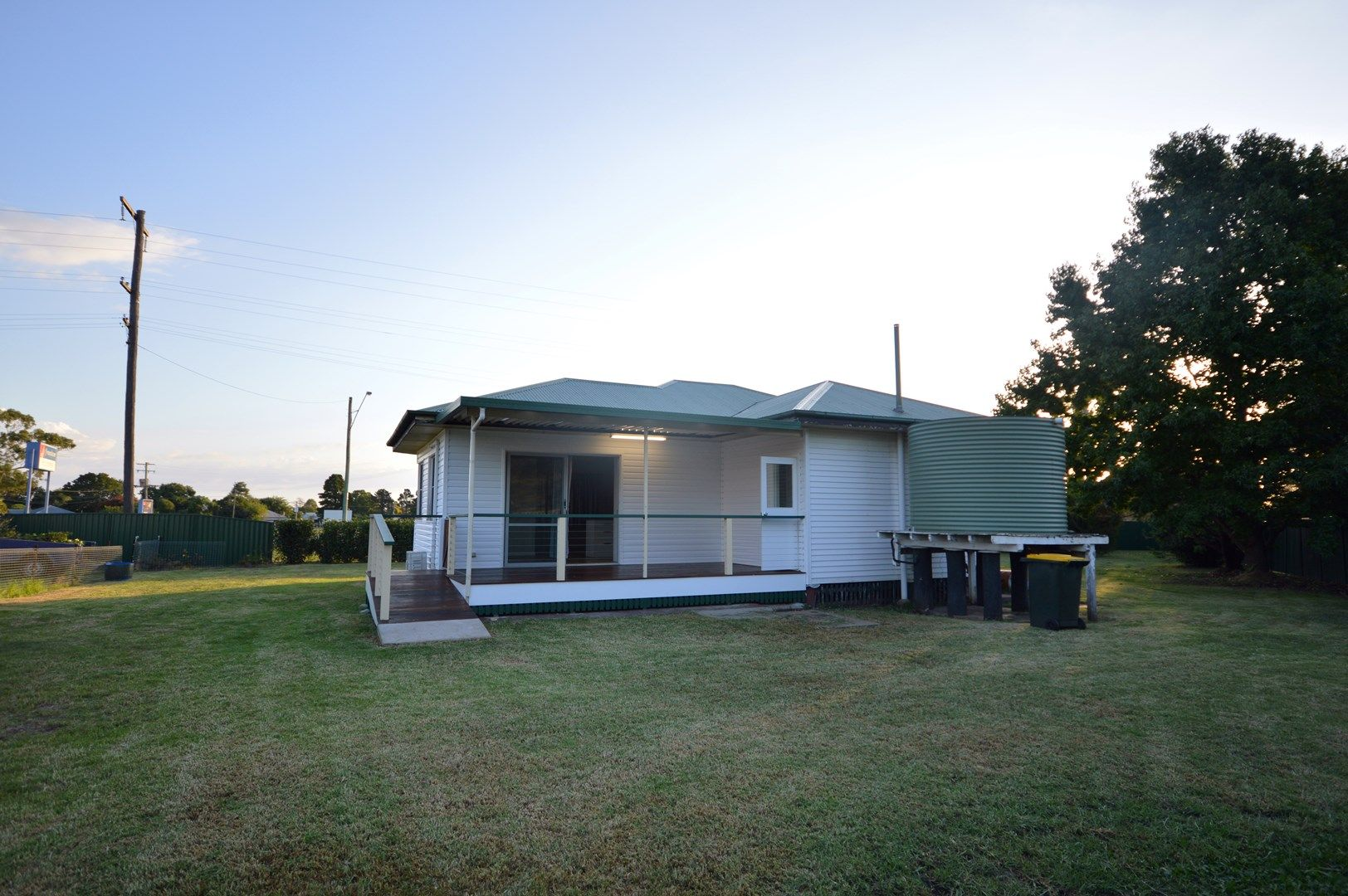 14 - 16 New England, Allora QLD 4362, Image 0