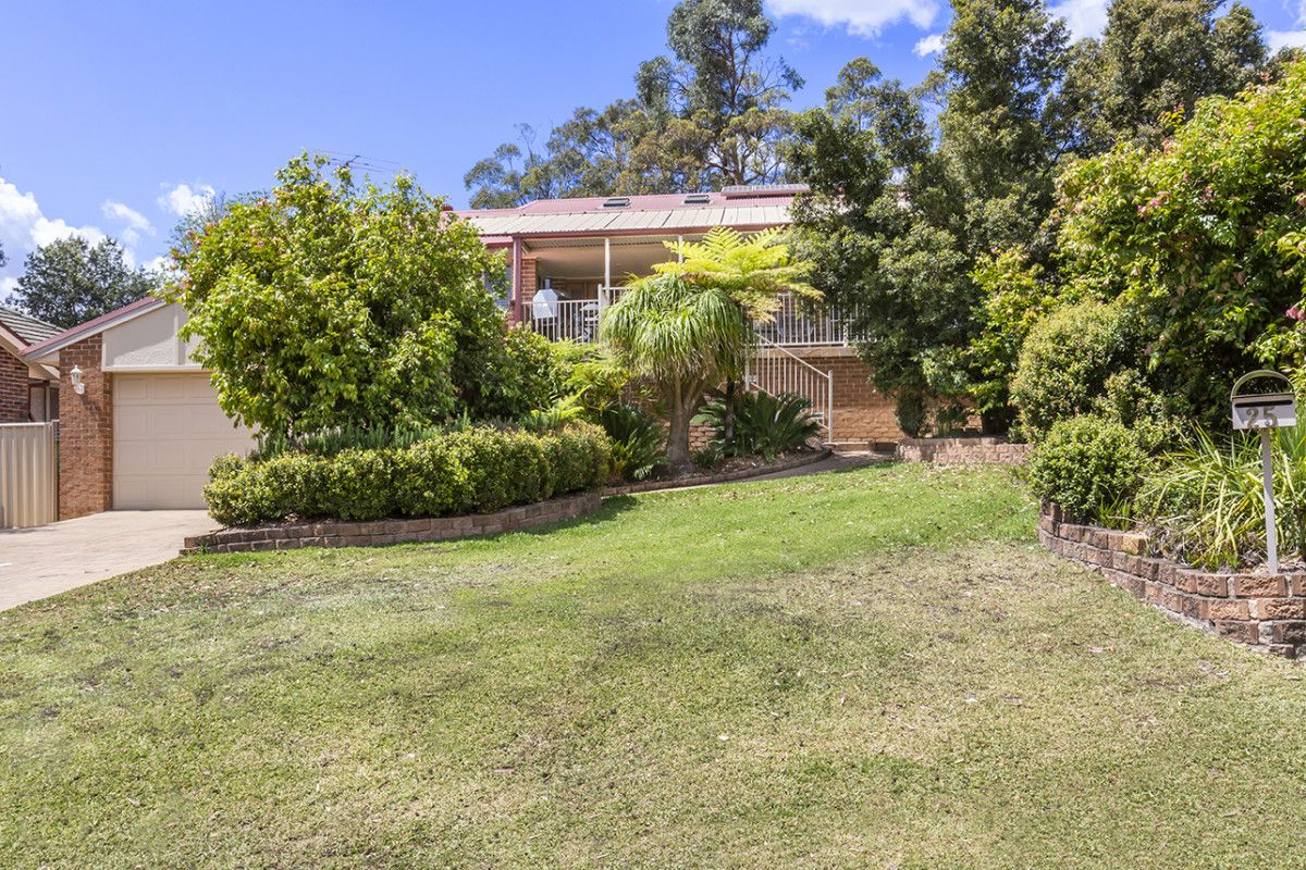 25 Ridge View Close, Winmalee NSW 2777, Image 0