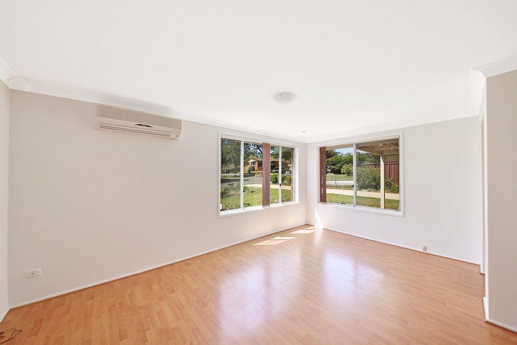 23 Larapinta Crescent, St Helens Park NSW 2560, Image 2
