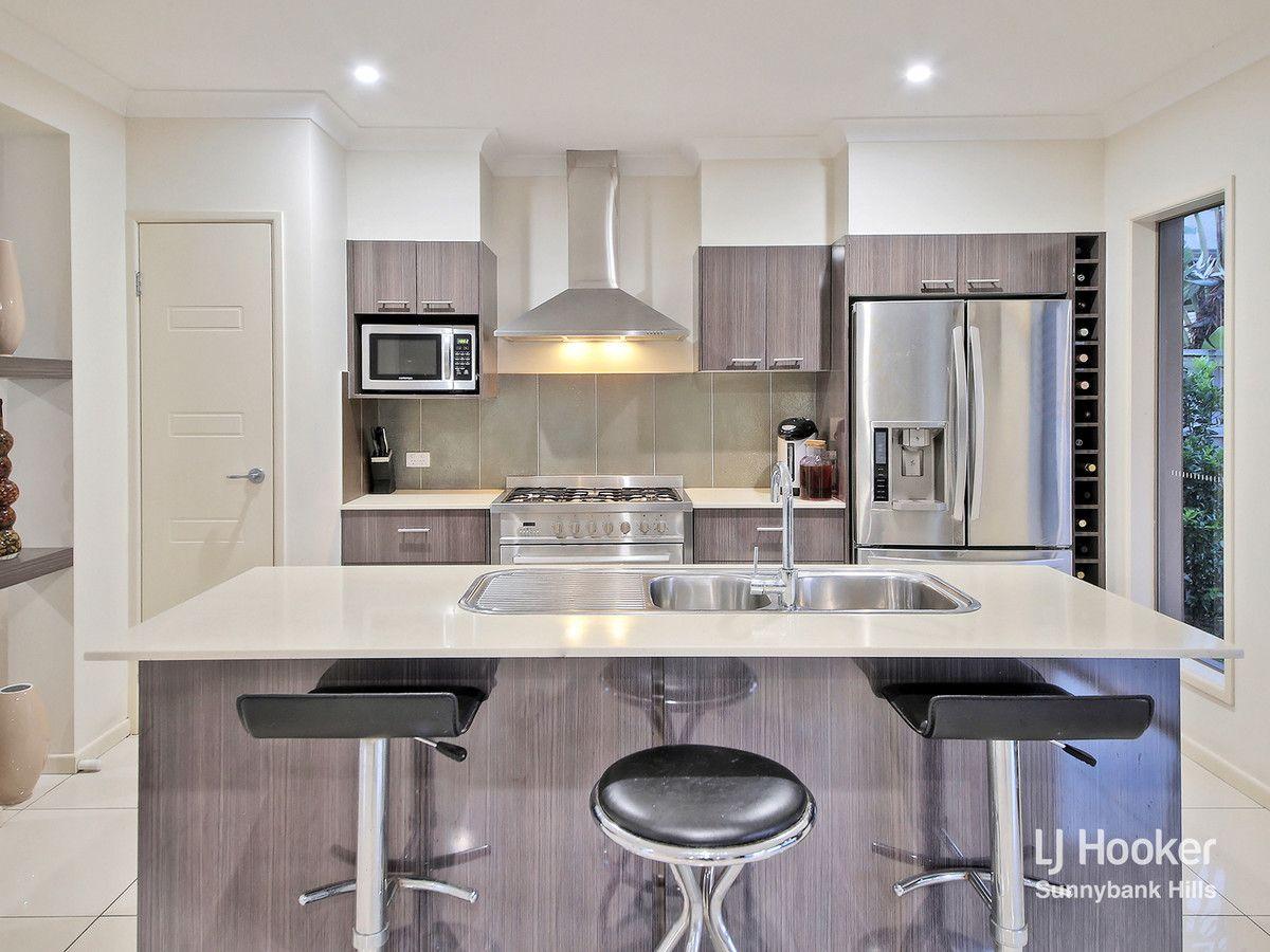 29 Taylor Place, Mackenzie QLD 4156, Image 2