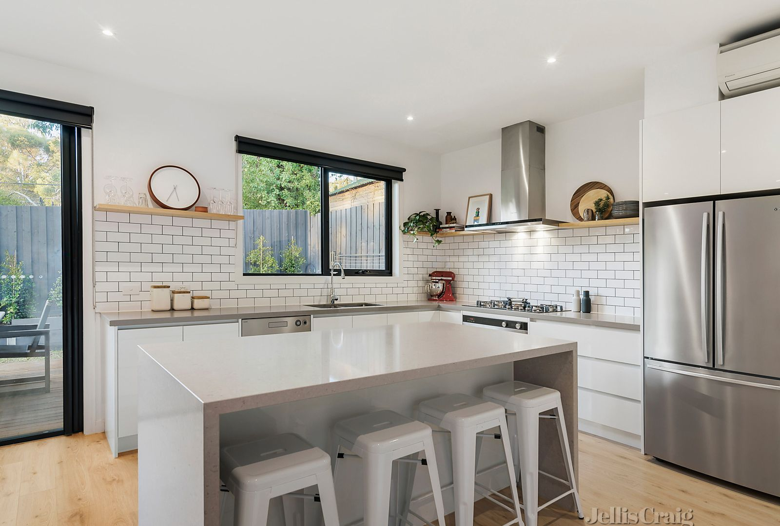 2/29 The Grange, Templestowe VIC 3106, Image 2