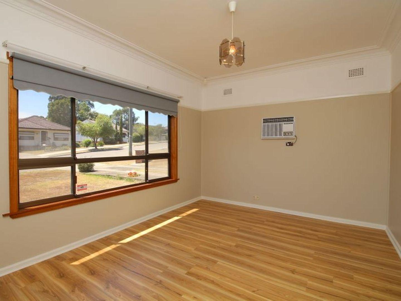 23 Scott Street, Toongabbie NSW 2146, Image 2