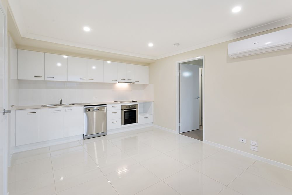 2/5 Magpie Drive, Cambooya QLD 4358, Image 2
