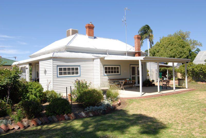 118 NAPIER STREET, Deniliquin NSW 2710, Image 1