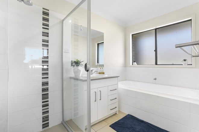 Picture of 32 Evergreen Way, GILLIESTON HEIGHTS NSW 2321