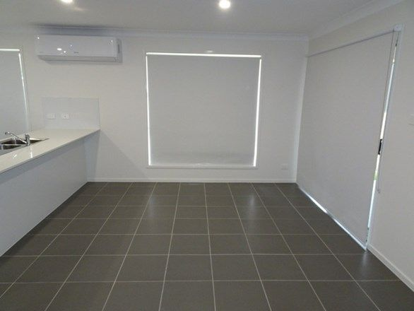 43 Primrose Street, Booragul NSW 2284, Image 2