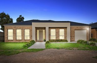 Picture of 1/28 Lightwood Way, Brookfield VIC 3338