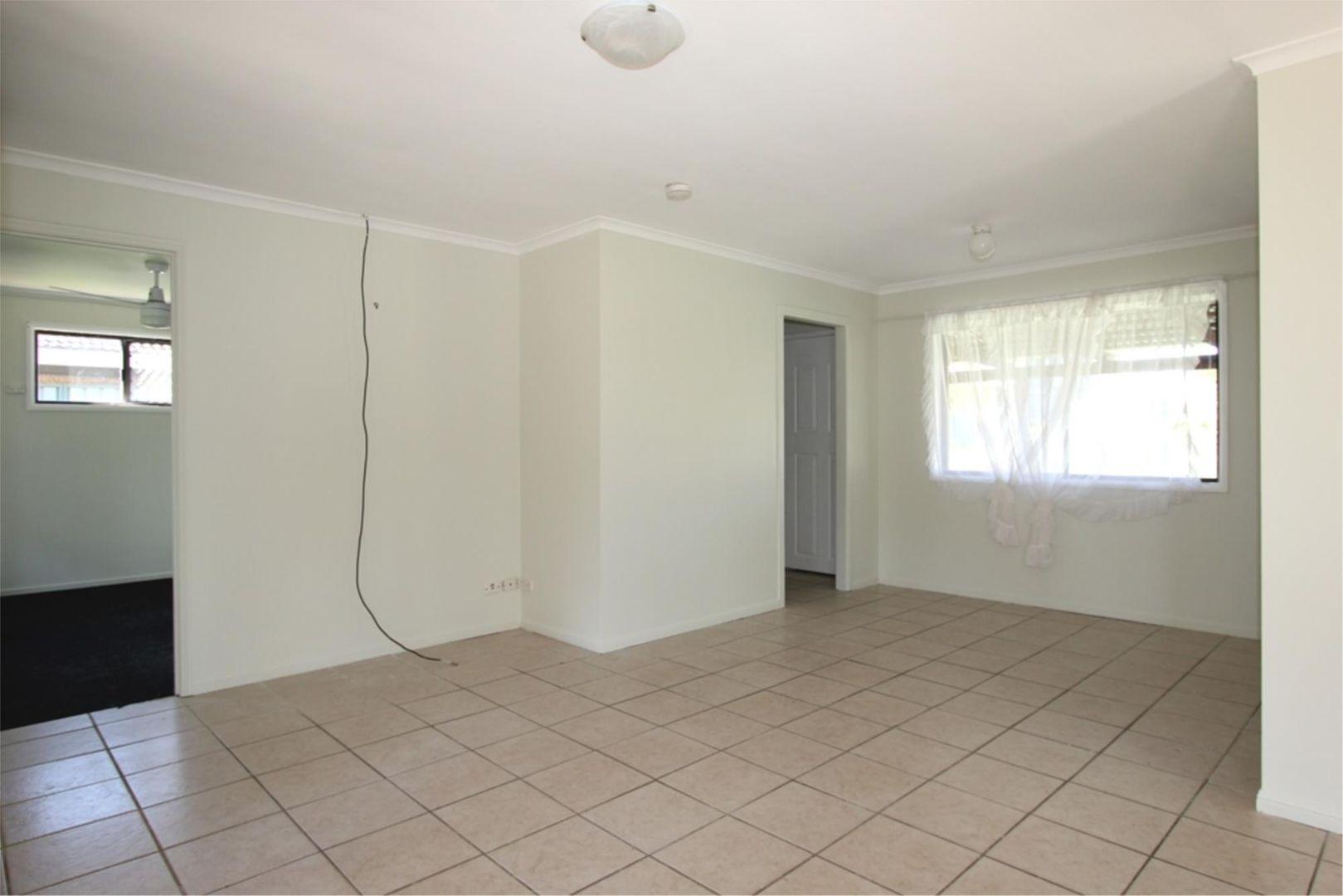 28 Moore St, Loganlea QLD 4131, Image 2