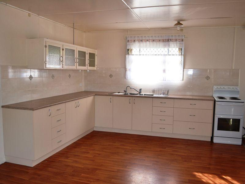 8 Dalgangal Rd, Gayndah QLD 4625, Image 0