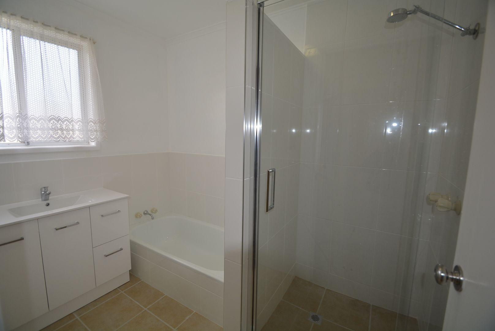 64 Warner St, Rosenthal Heights QLD 4370, Image 2