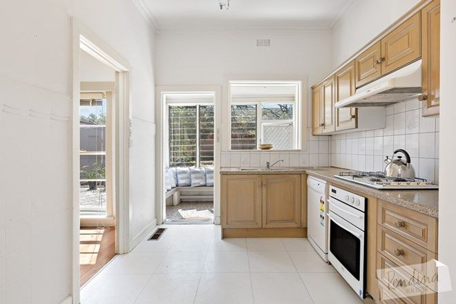 Picture of 118 Woodland Street, STRATHMORE VIC 3041