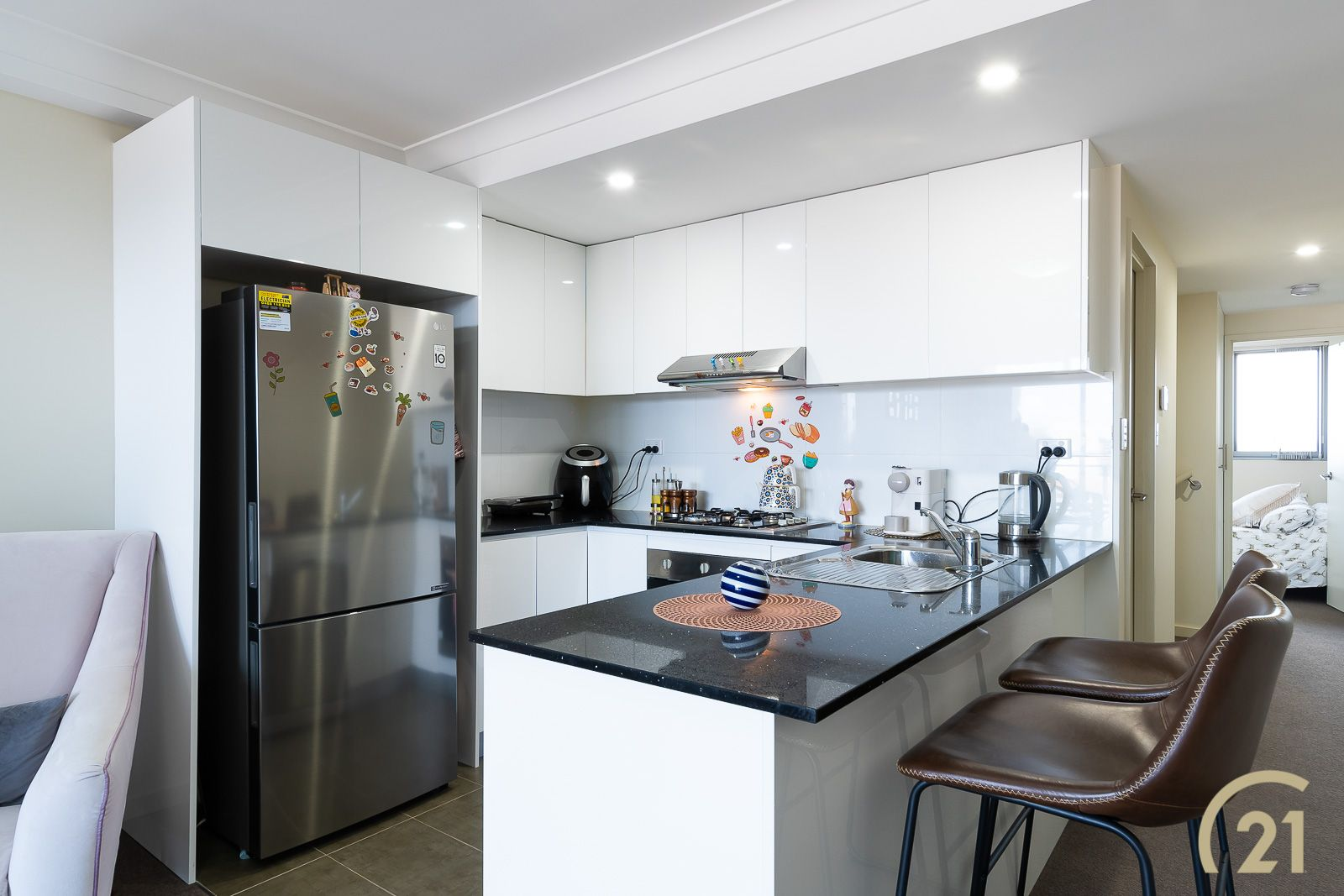 37/17-21 The Crescent, Fairfield NSW 2165, Image 2