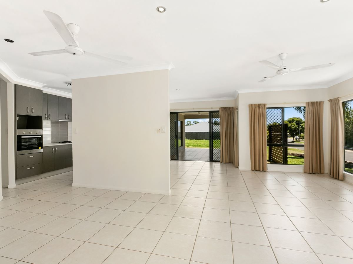 14 Bundey Street, Bentley Park QLD 4869, Image 2