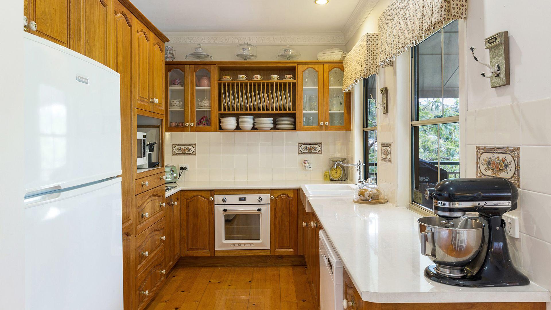 21 Fleetwood Court, Ferny Hills QLD 4055, Image 2