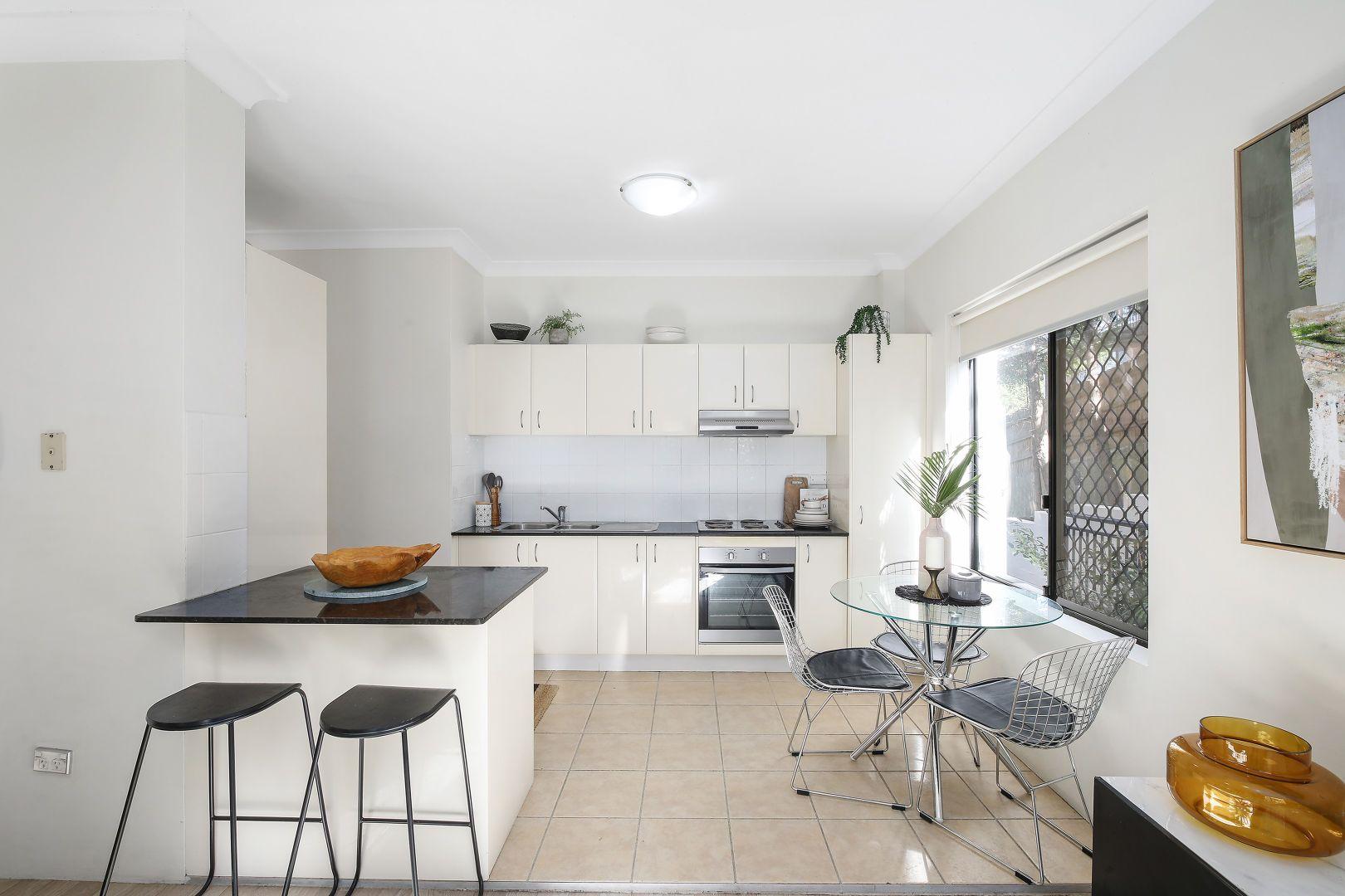 1/61 Donnison Street West, Gosford NSW 2250, Image 2