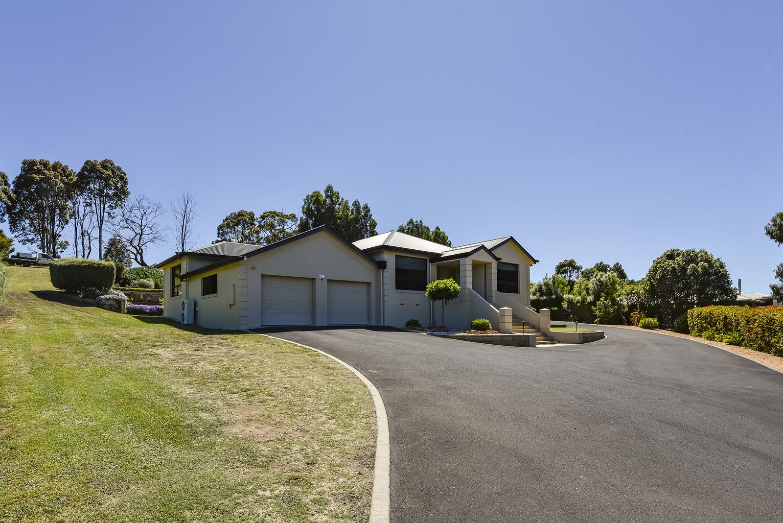 4 Fairway Court, Worrolong SA 5291, Image 2