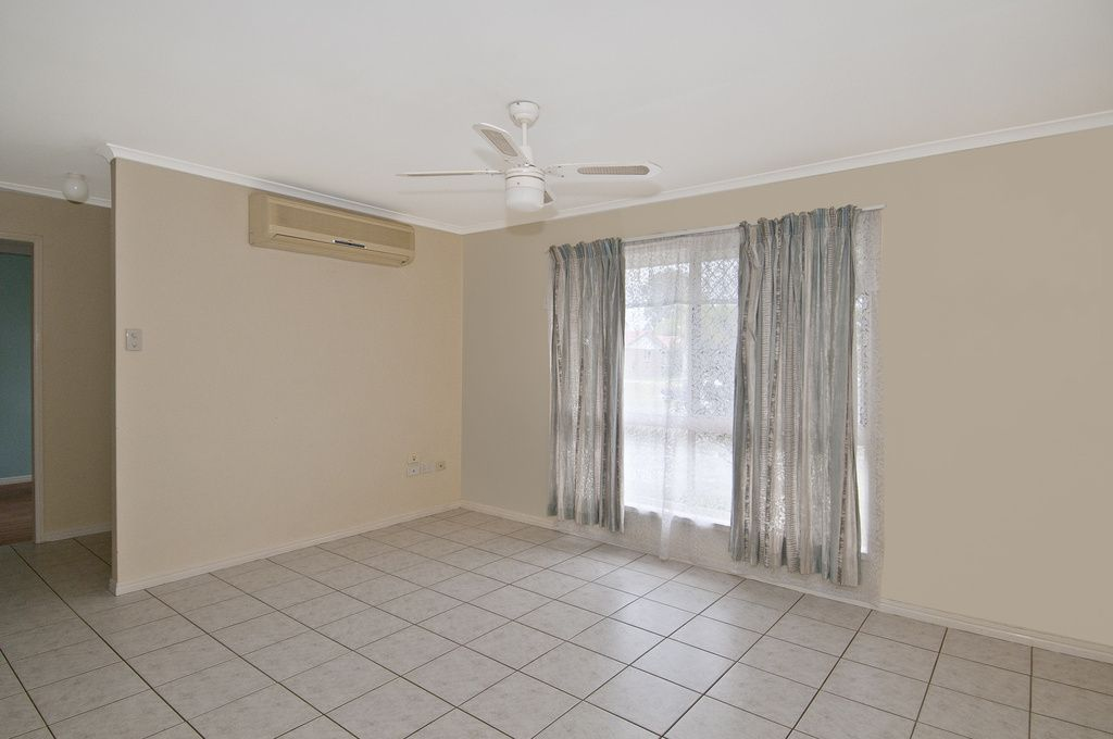 10 Foxdale Court, Waterford West QLD 4133, Image 2
