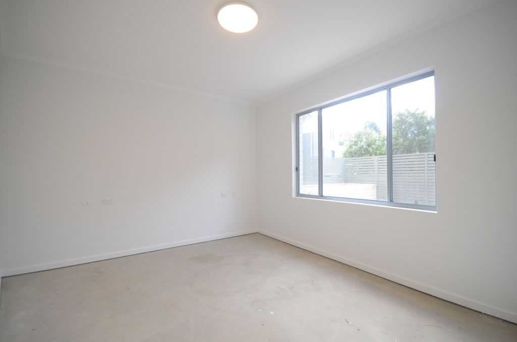 8/44-46 Lydbrook Street, Westmead NSW 2145, Image 1