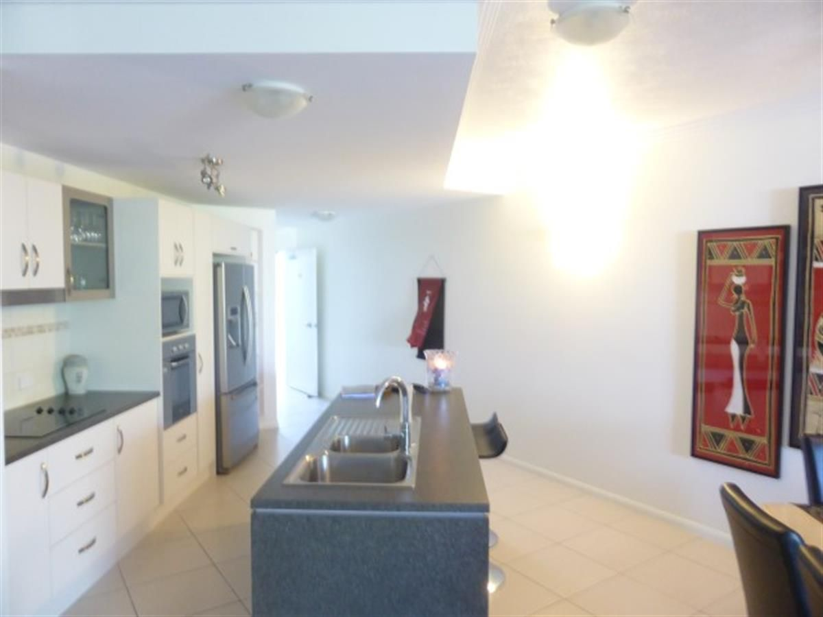 32/9 McLean Street, Cairns North QLD 4870, Image 2