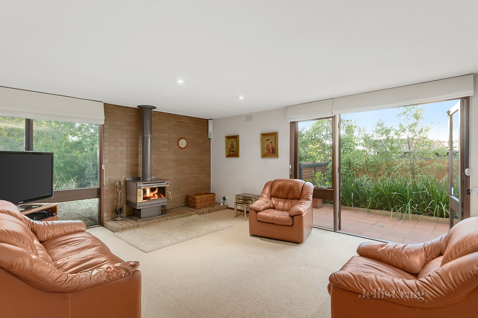 1 Lorna Court, Templestowe Lower VIC 3107, Image 2