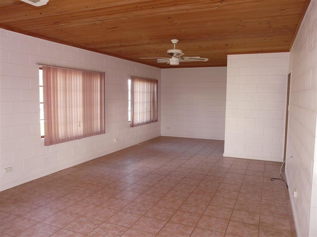 39 Whitman Street, Mirriwinni QLD 4871, Image 2