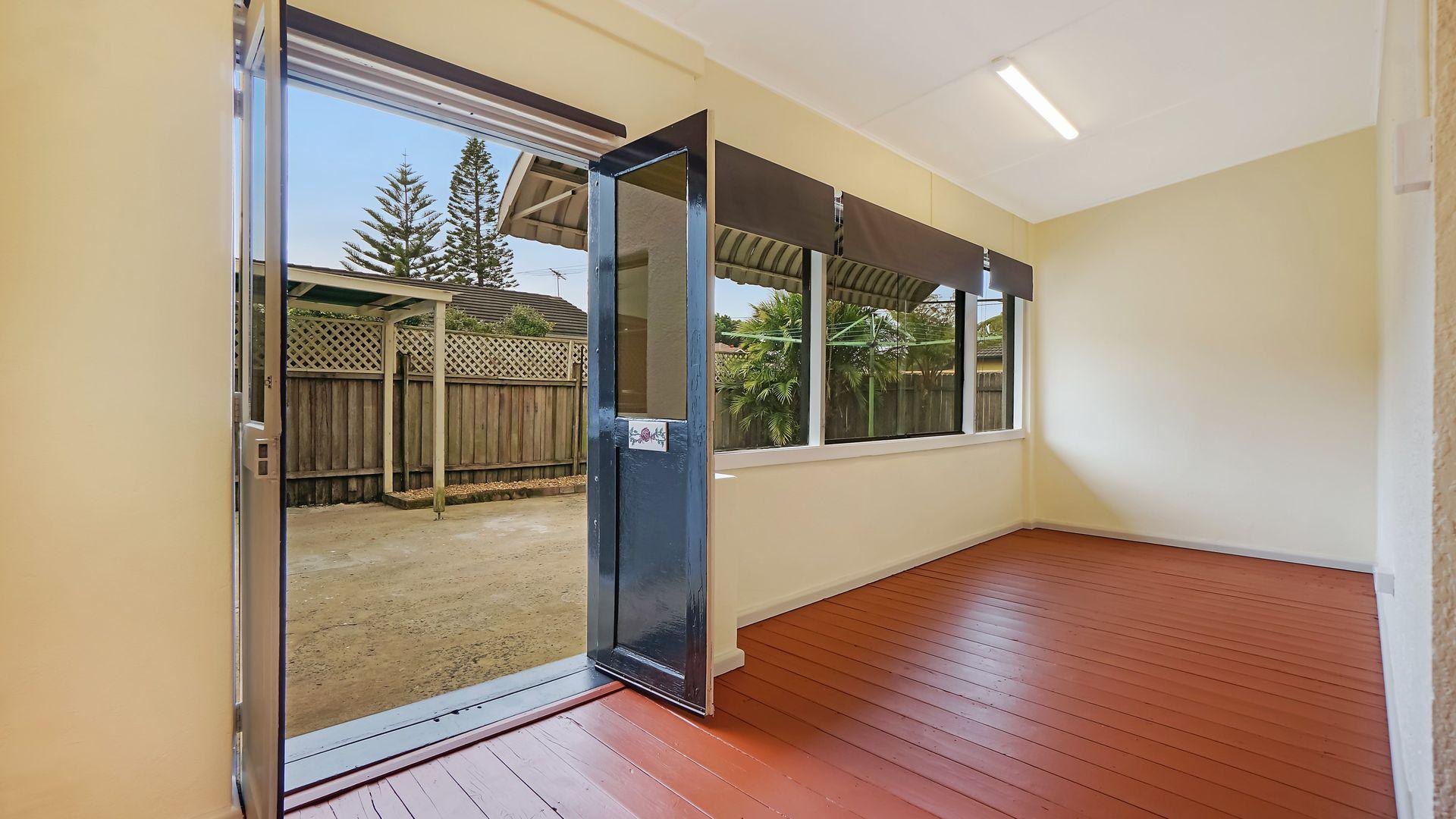 10 Lyminge Street, Croydon Park NSW 2133, Image 2