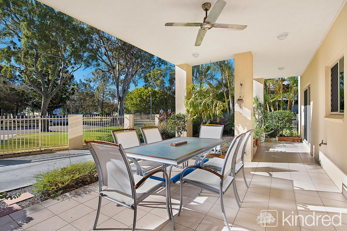 2/23 Thurecht Parade, Scarborough QLD 4020, Image 2