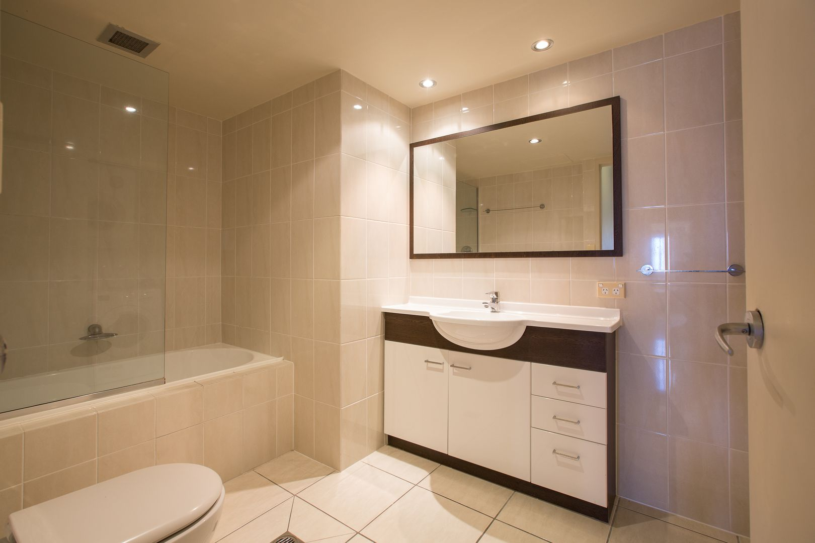 14C/50 Old Burleigh Road, Surfers Paradise QLD 4217, Image 2