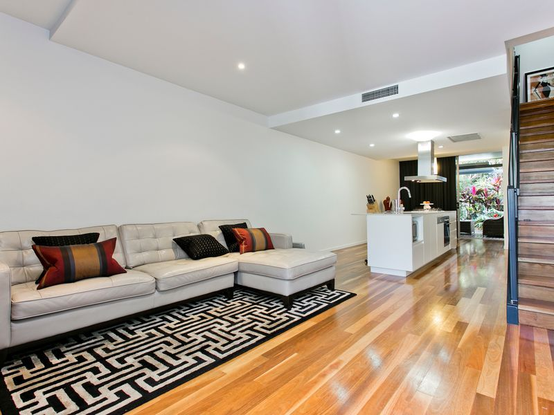 12/28 Cordelia Street, South Brisbane QLD 4101, Image 2
