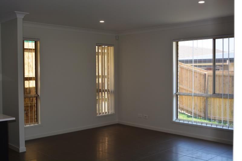 93 Flora Terrace, Pimpama QLD 4209, Image 6