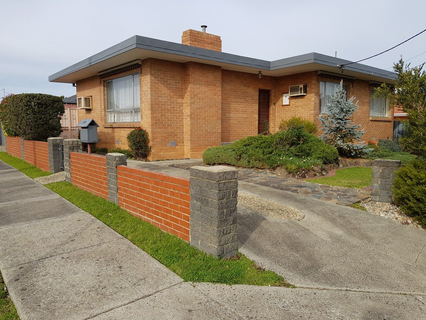 23 Robinlee Avenue, Burwood East VIC 3151, Image 0