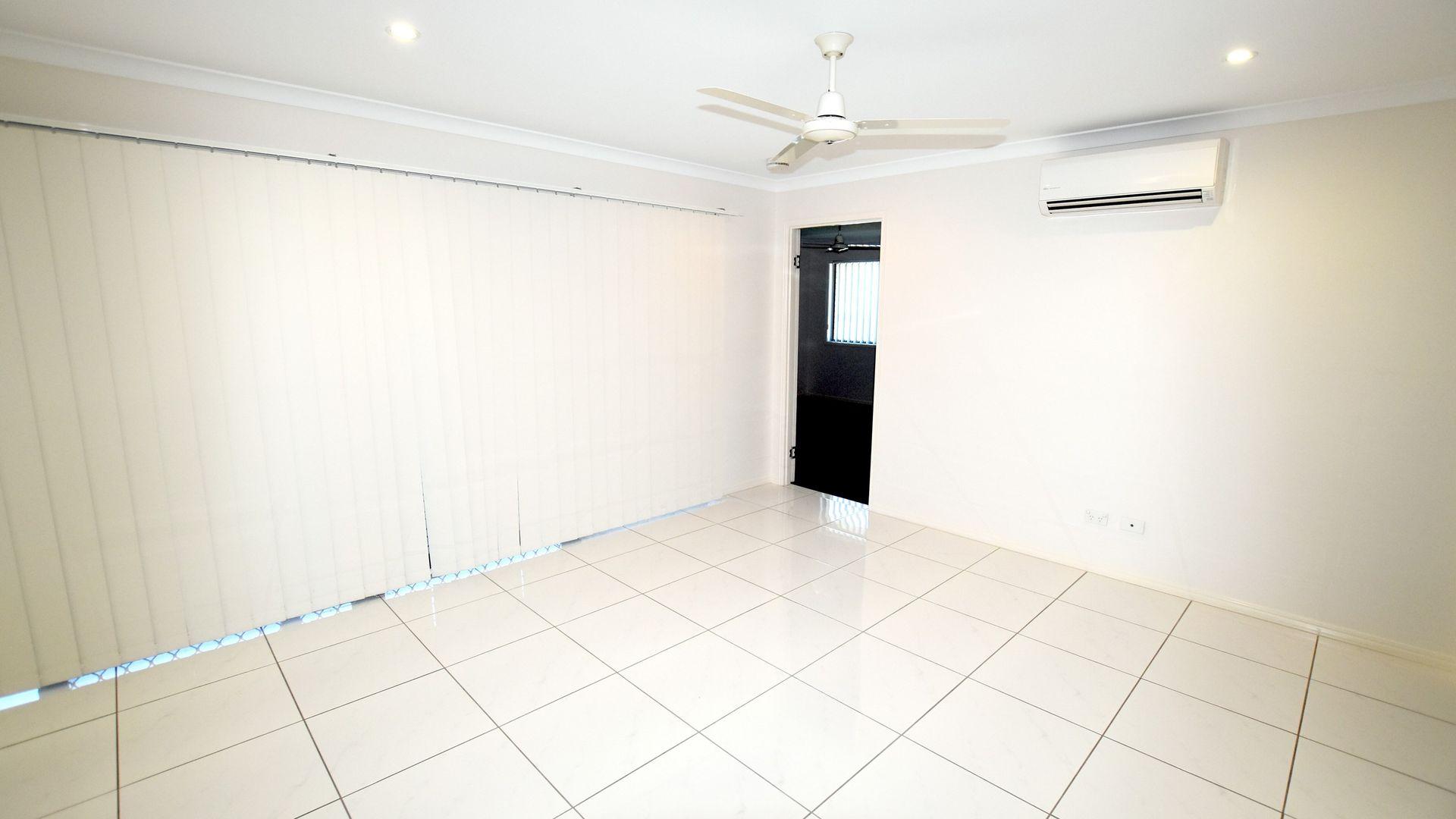 6 Gumnut Place, Kirkwood QLD 4680, Image 2