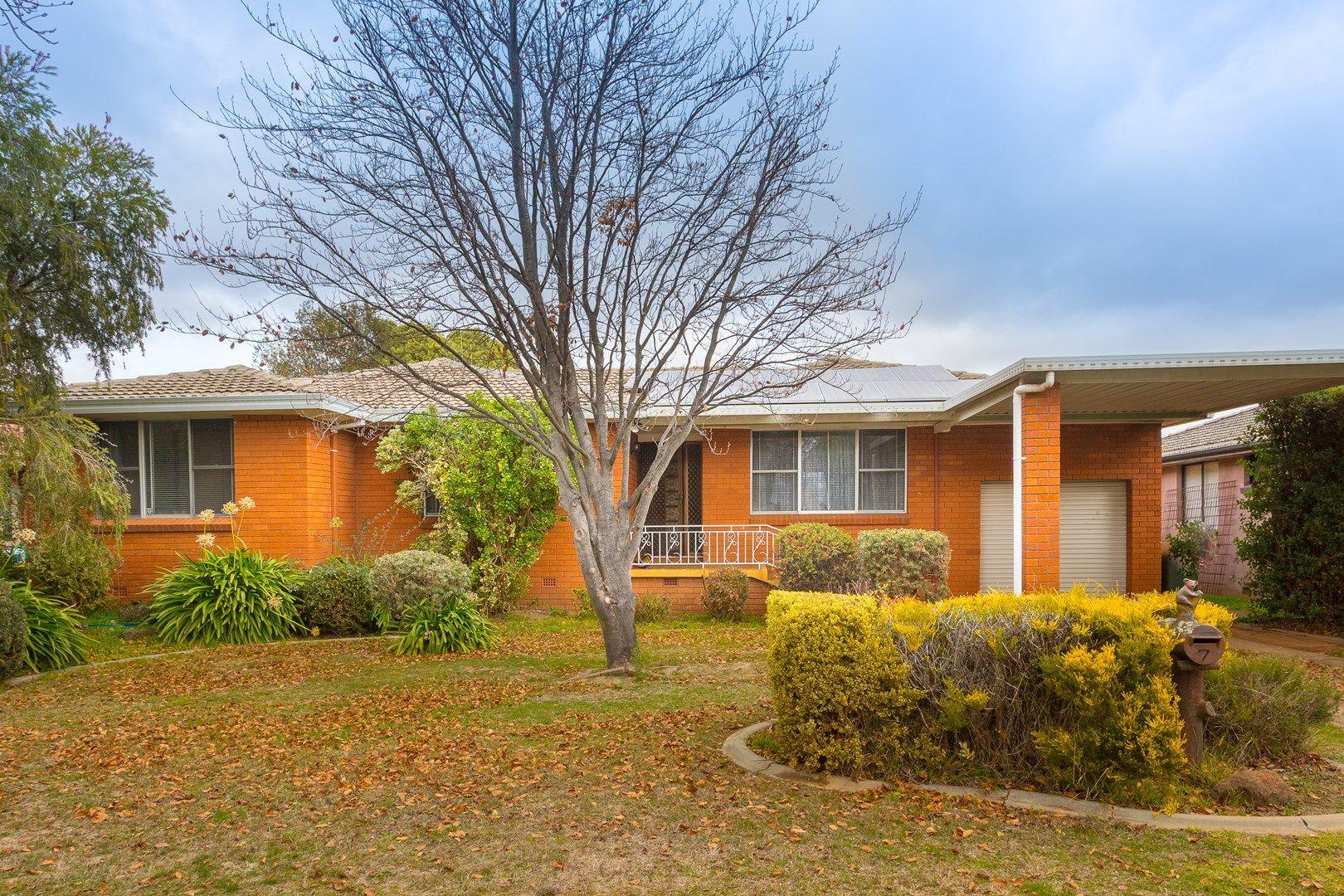 7 Courallie Drive, Orange NSW 2800, Image 0