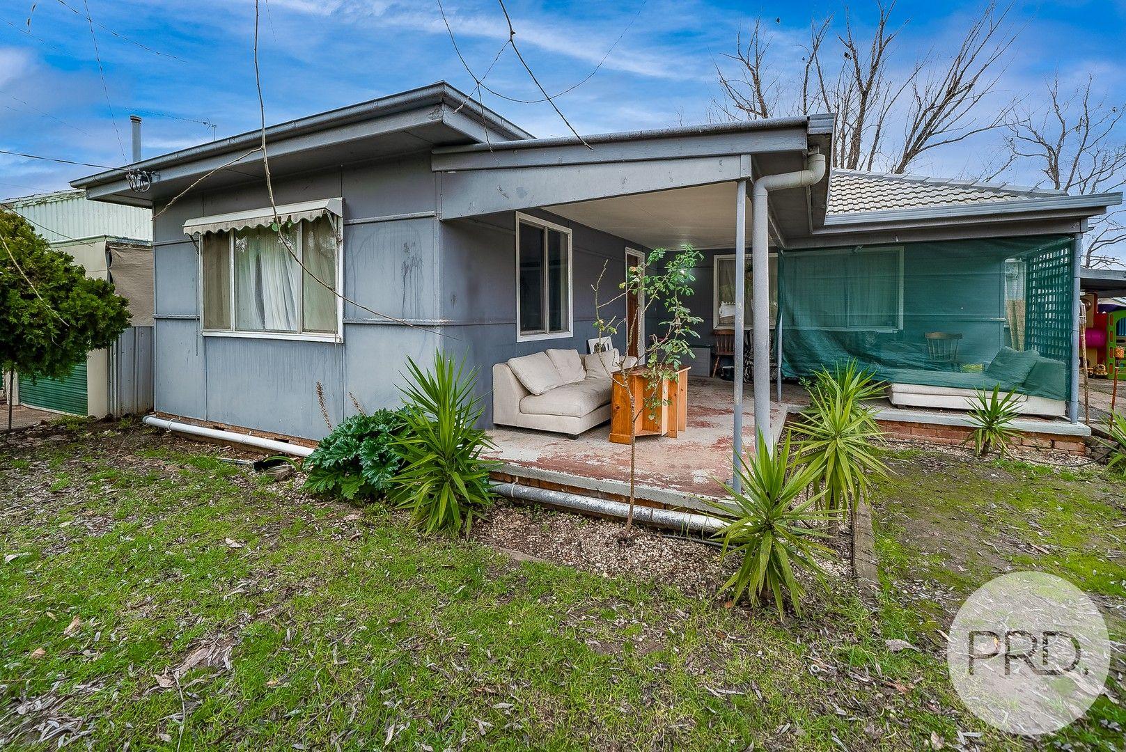 50 Tichborne Crescent, Kooringal NSW 2650, Image 0