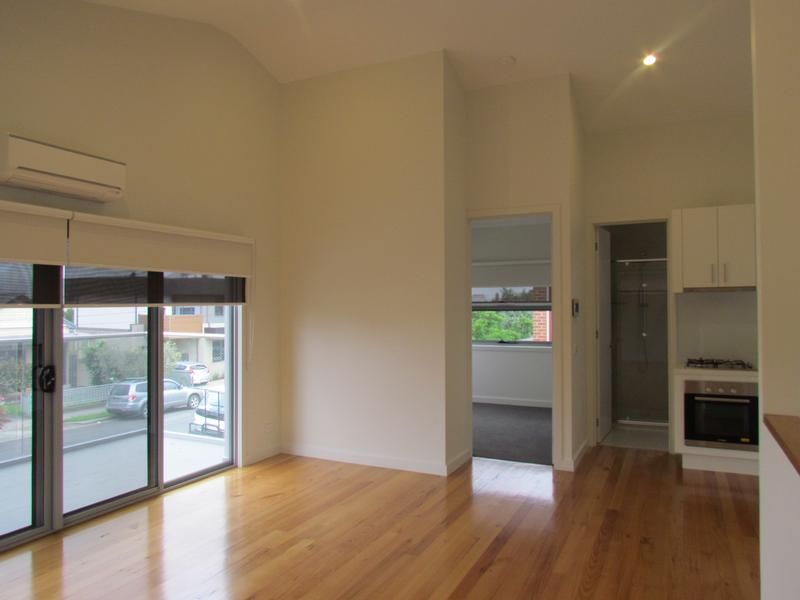 1/3 Sutherland Street, Coburg VIC 3058, Image 2