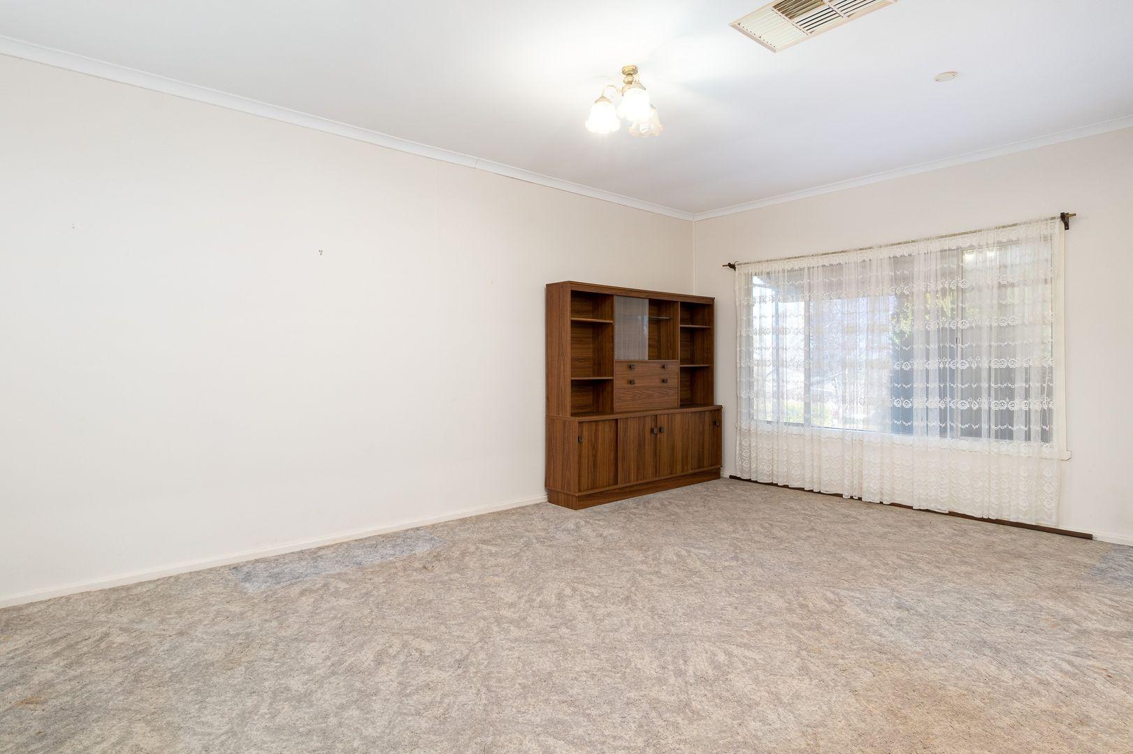 143 Carson Street, Temora NSW 2666, Image 1