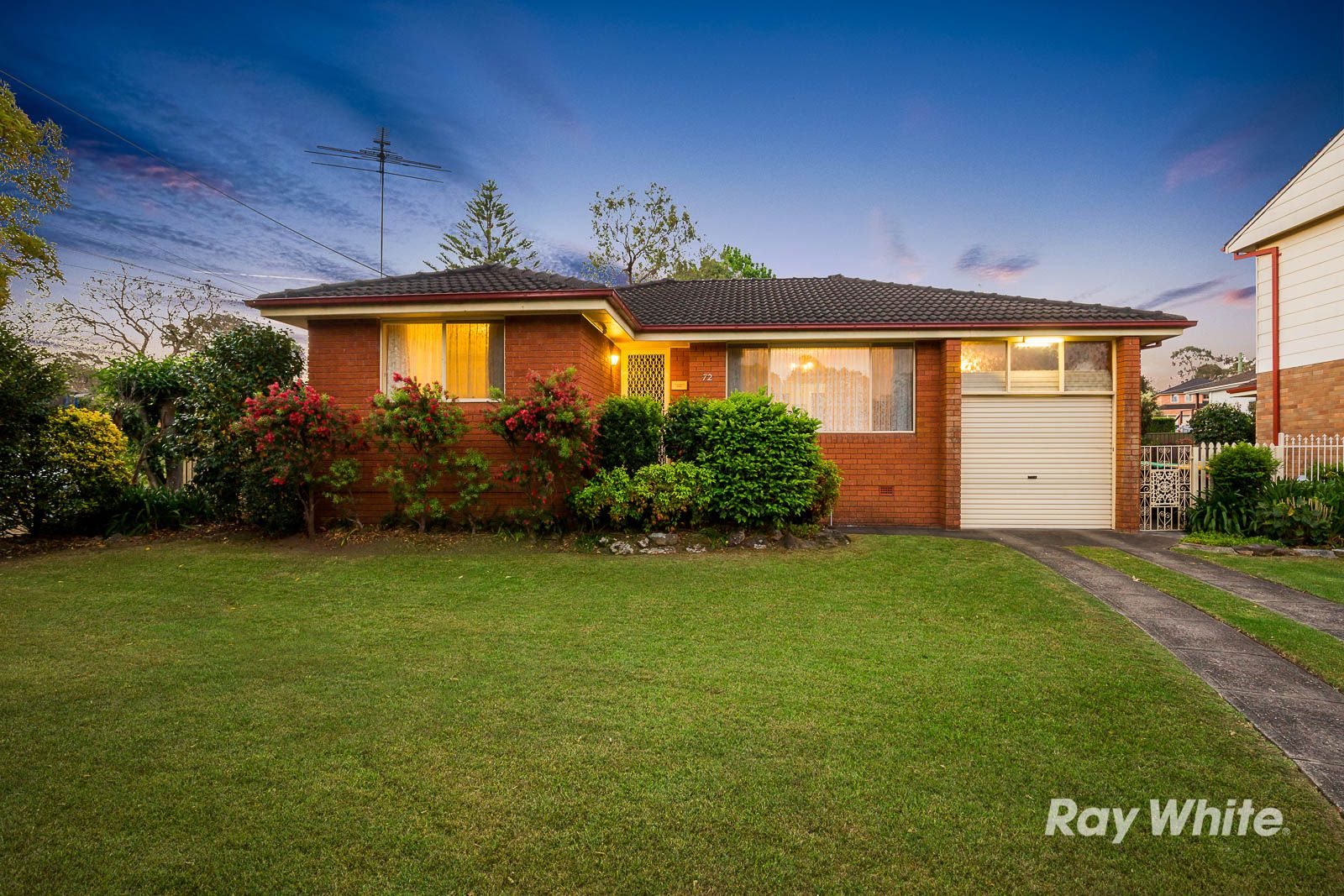 72 Roxborough Park Rd, Castle Hill NSW 2154, Image 0