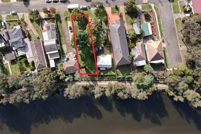 Picture of 10 Riverside Road, LANSVALE NSW 2166