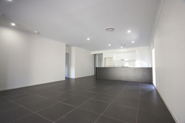 3 Taranga Street, Gledswood Hills NSW 2557, Image 2