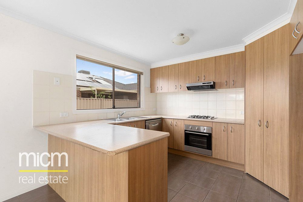10 Grenache Street, Point Cook VIC 3030, Image 2