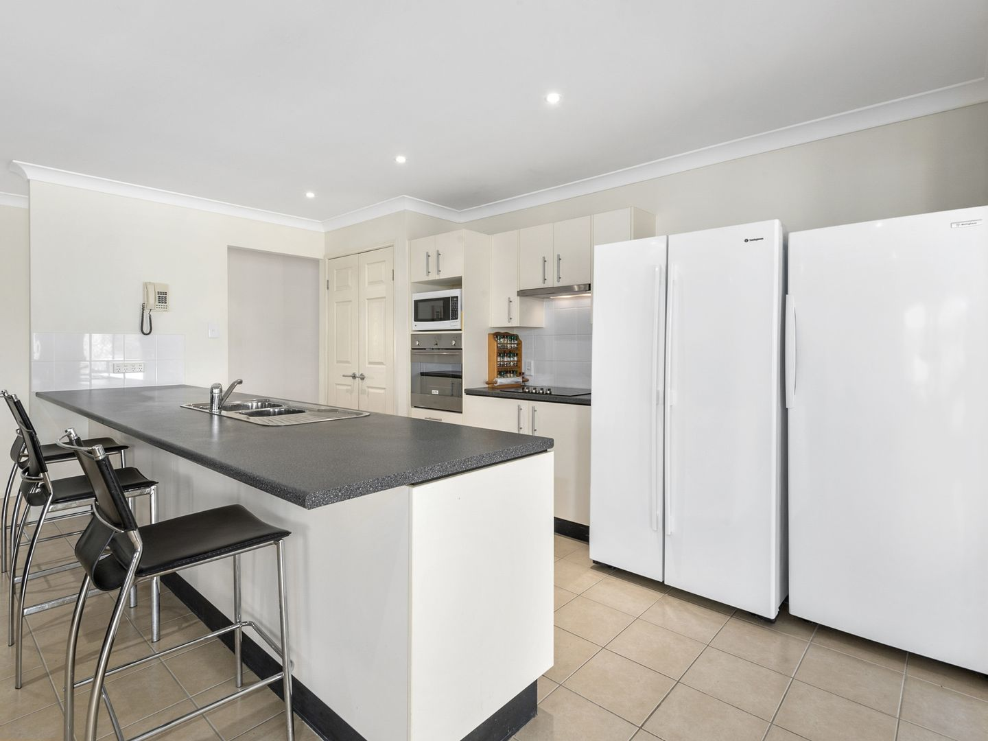 44 McConnel Street, Braemore QLD 4313, Image 2