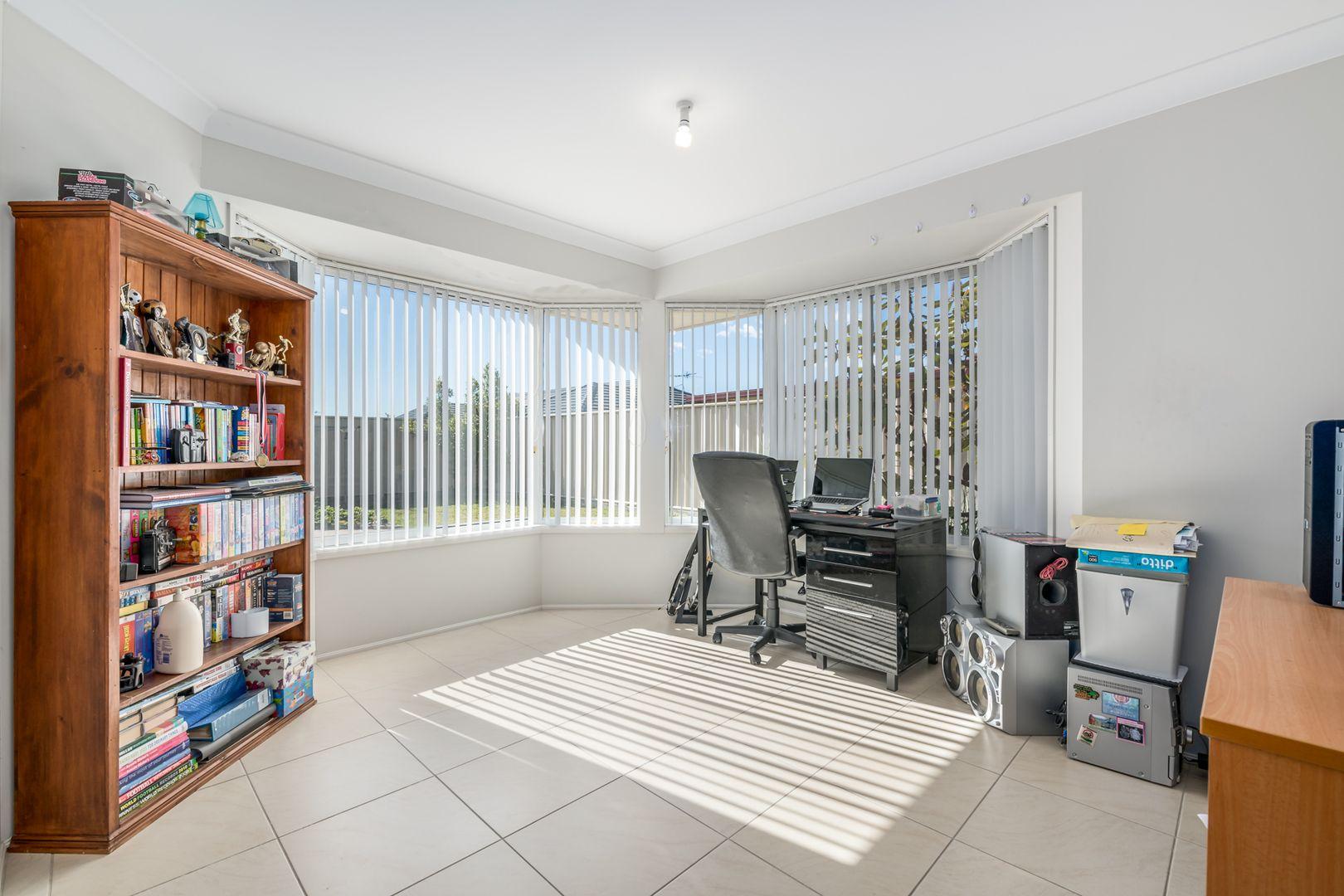 70 Streeton Drive, Metford NSW 2323, Image 2