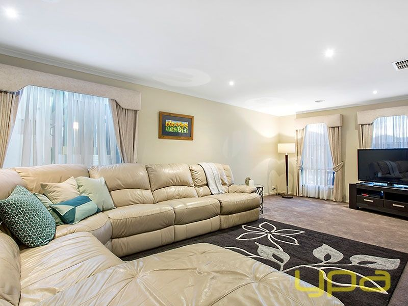 11 Dyson Way, Point Cook VIC 3030, Image 2