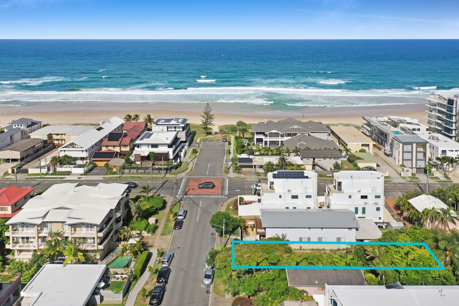 14 Heron Avenue, Mermaid Beach QLD 4218, Image 2