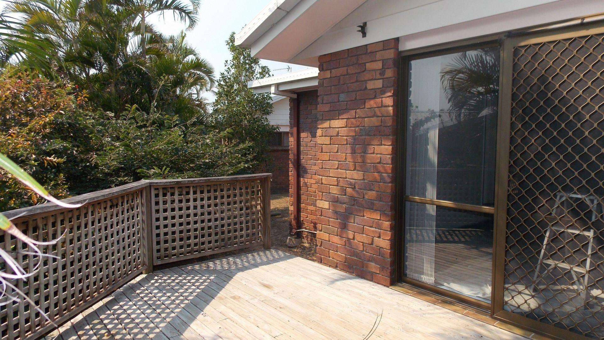 10/8 Elma Street, Cooee Bay QLD 4703, Image 2