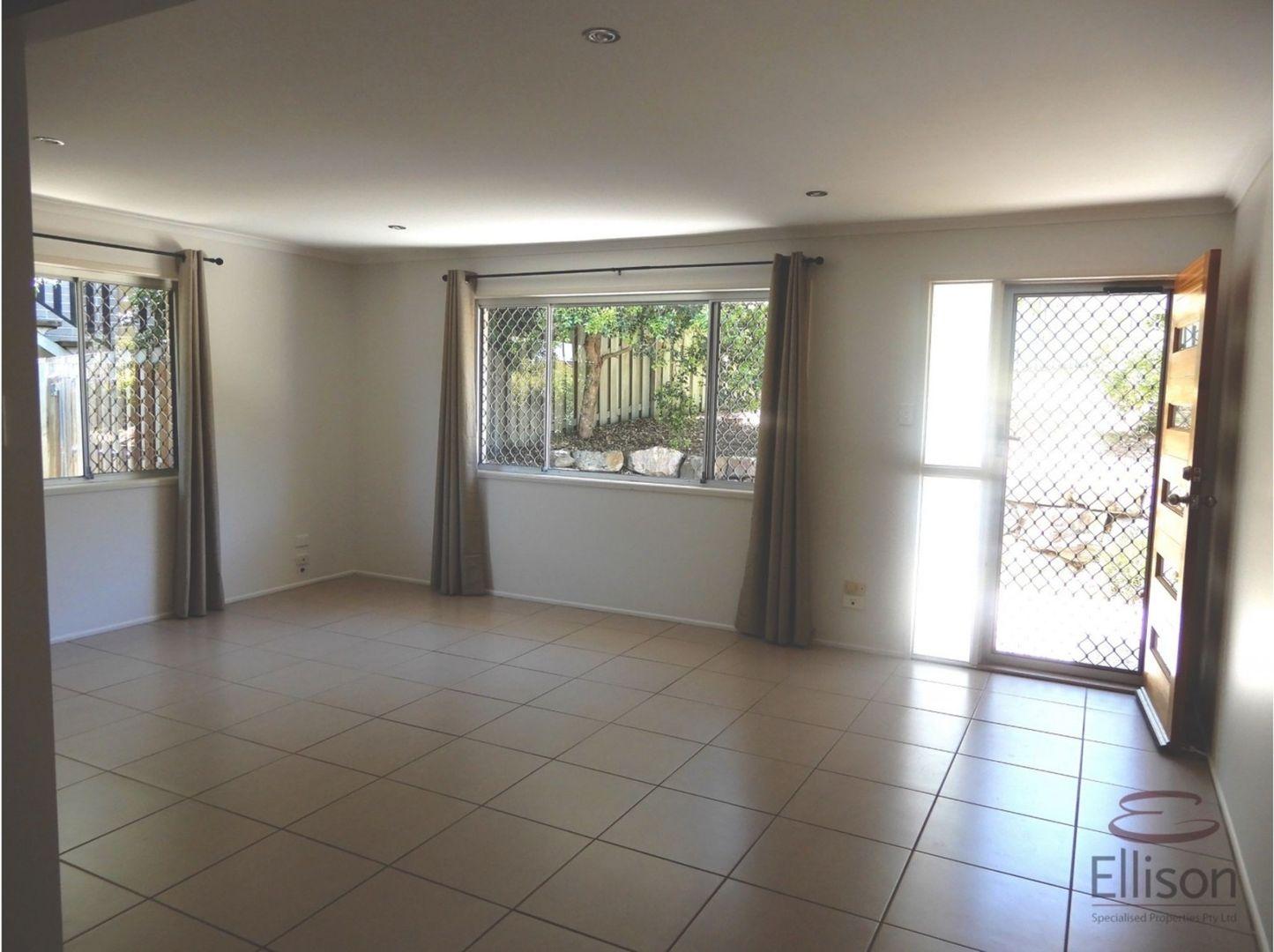 4 Ribwort Court, Shailer Park QLD 4128, Image 2