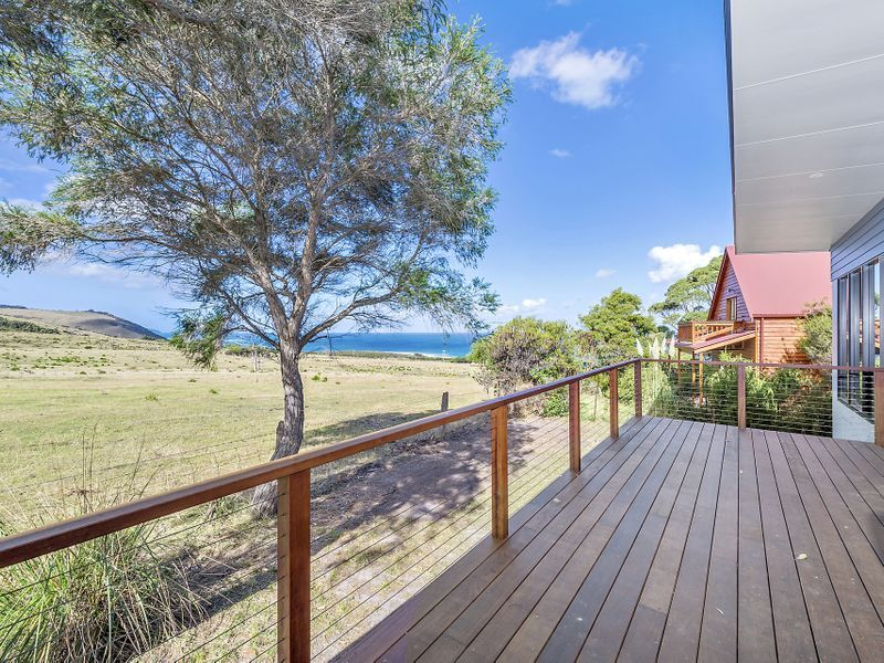 1 Point Avenue, Skenes Creek VIC 3233, Image 2