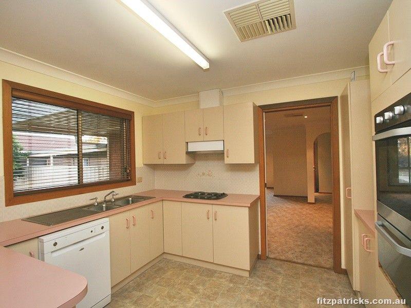17 Gunn Drive, Estella NSW 2650, Image 1