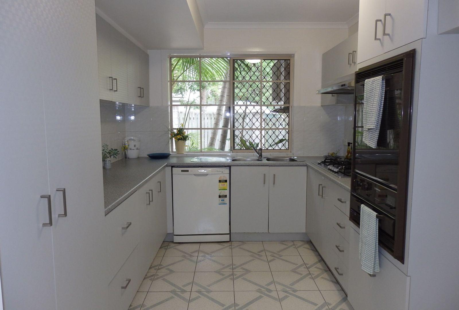 1/6 Shirley Street, Indooroopilly QLD 4068, Image 2