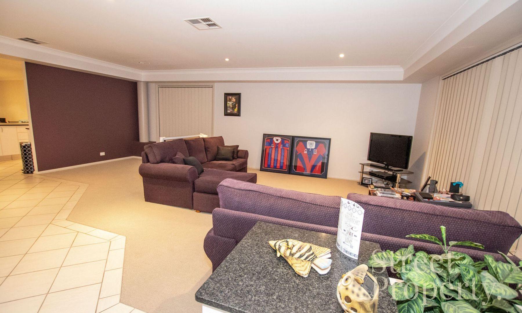 2/93 Turnbull Street, Hamilton South NSW 2303, Image 2